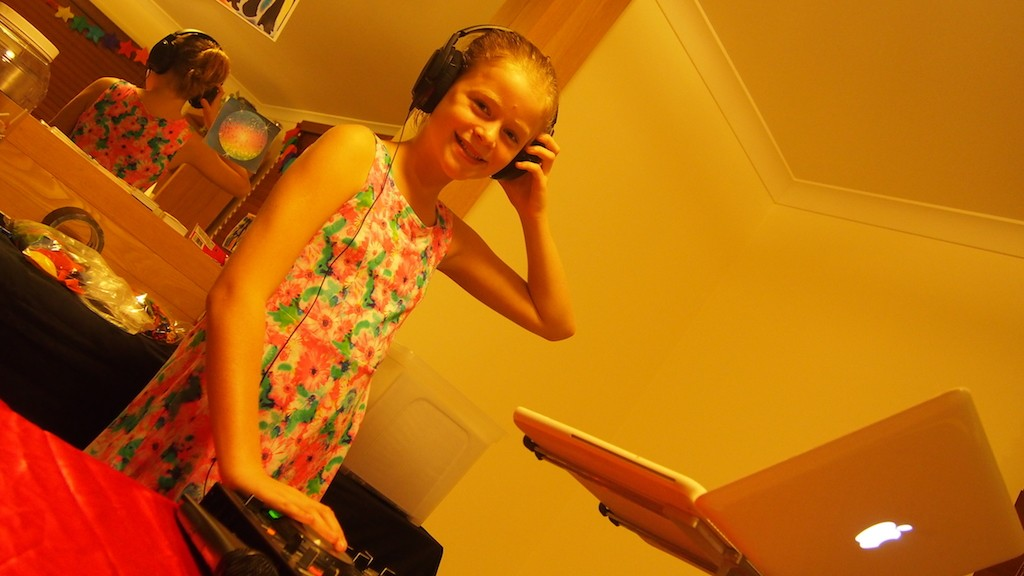 DJ Steve - Izzy